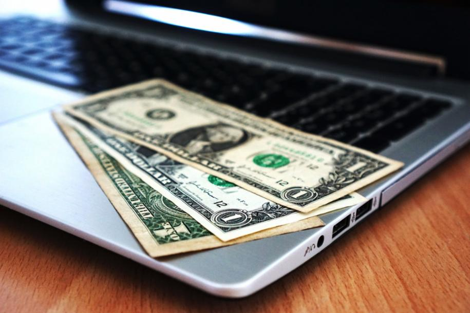 3 Money-Making Ideas You Can Do with Your Laptop